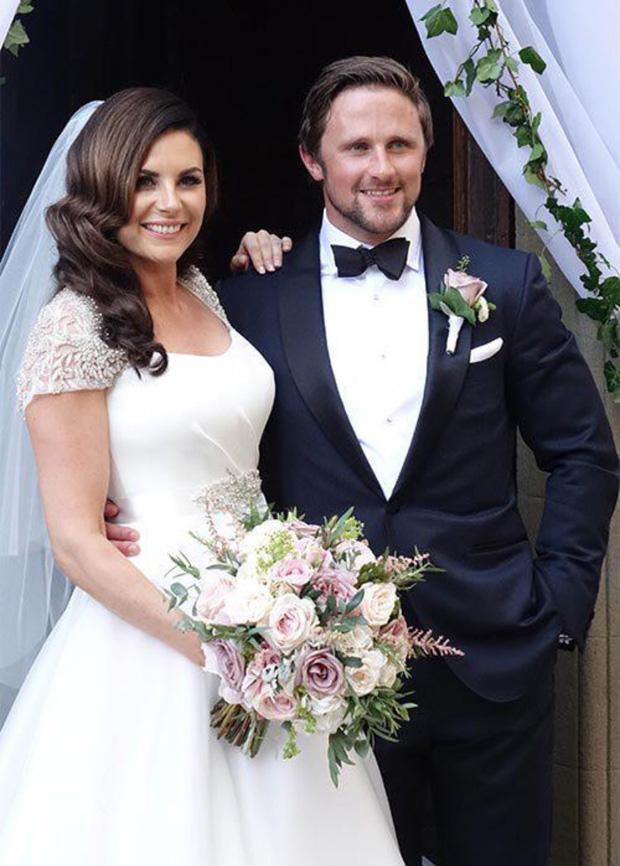 lisa-cannon-richard-keatley-wedding-outside-church-italy
