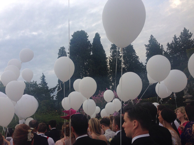 lisa-cannon-wedding-balloon-release