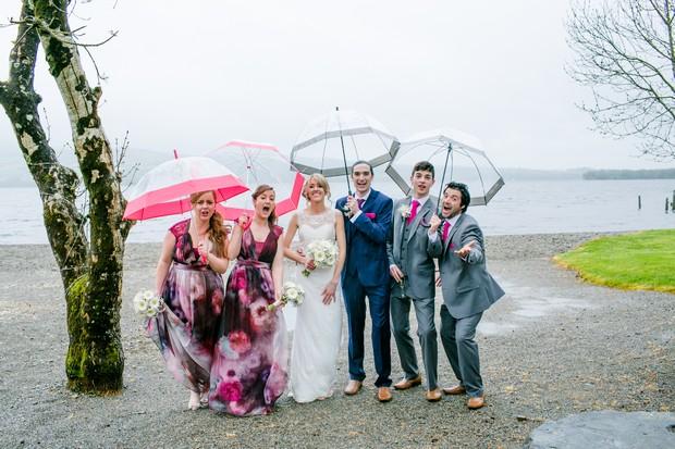 rainy-day-wedding-photo-ideas-umbrellas (2)
