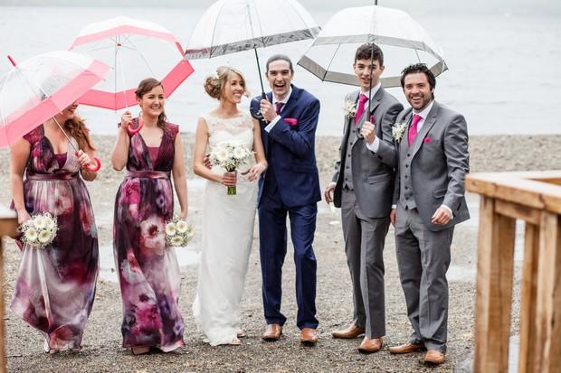 rainy-day-wedding-photo-ideas-umbrellas (4)