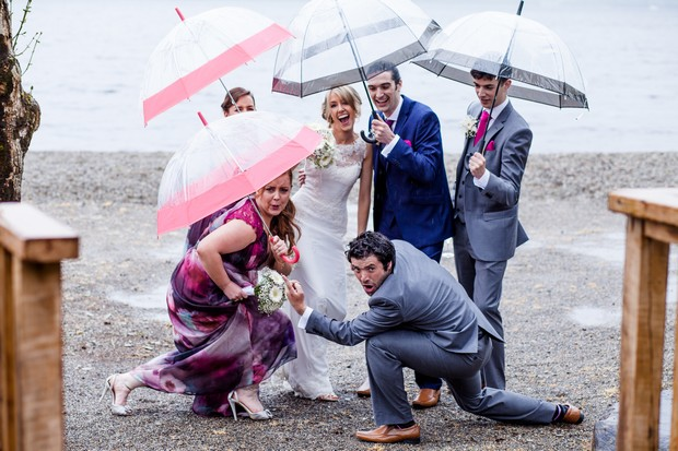 rainy-day-wedding-photo-ideas-umbrellas (5)