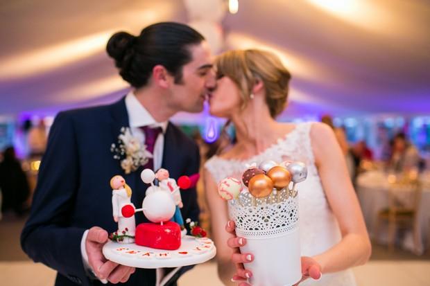 wedding-cake-dessert-table-cake-pops (4)