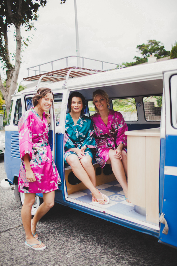 14-fun-wedding-morning-bridesmaids-silk-robe-vintage-wedding-car (2)