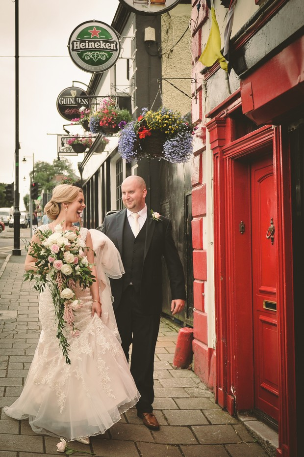 17-real-irish-wedding-village-pub