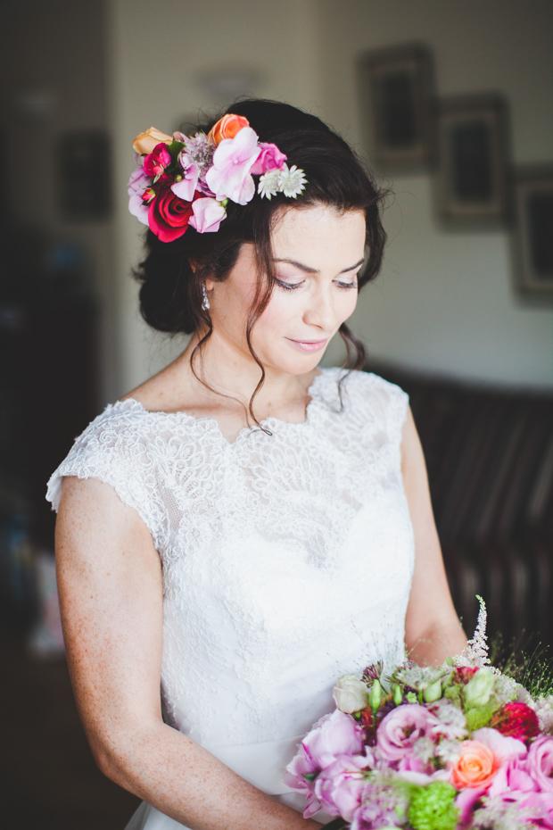 19-beautiful_spring_bride_fresh_flowers_hair_crown