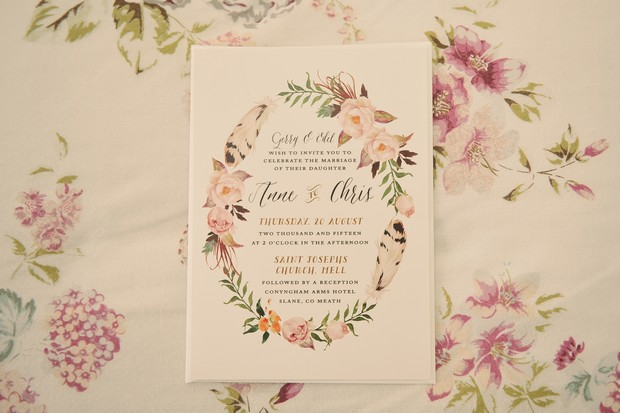 2-Floral_wreath_spring_Wedding_invitation