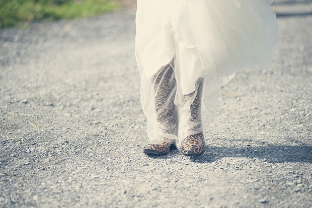 21-bride-in-wellies-countryside-wedding-ireland