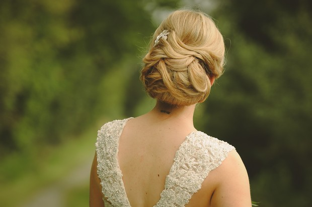 25-classic-elegant-wedding-up-do-stylist