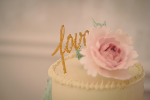 31-blush-wedding-cakes-romantic-vintage-style-word-topper (1)
