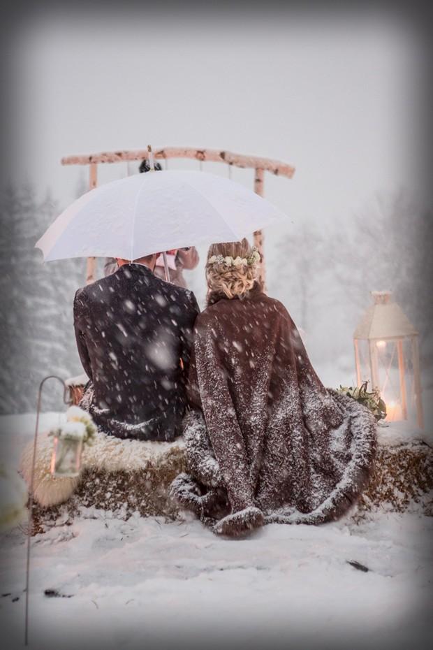 Wedding-ceremony-in-the-snow-winter (7)