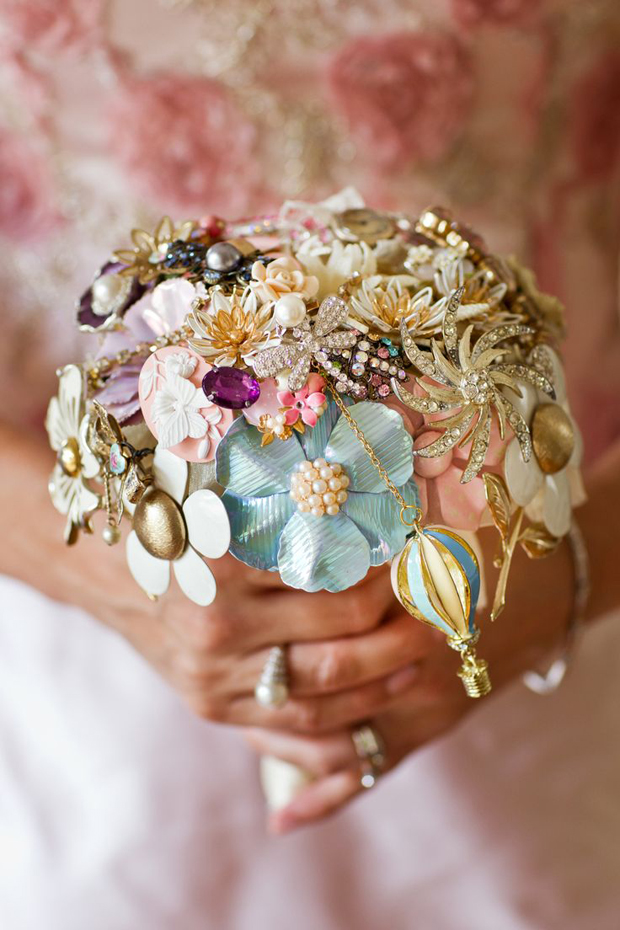 cute-and-colourful-bridal-brooch-bouquet