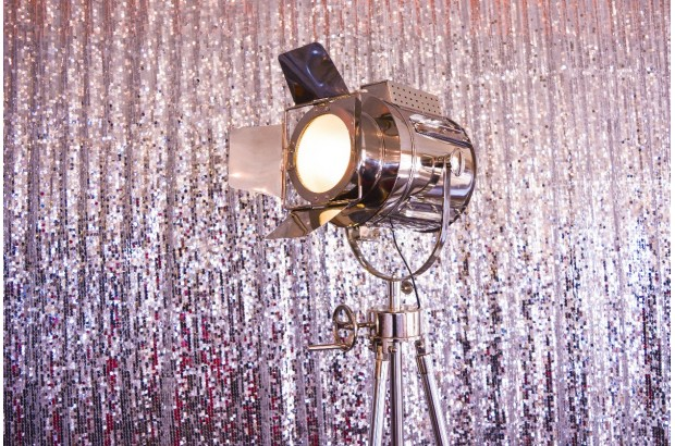 silver-sequin-backdrop-wedding-photobooth
