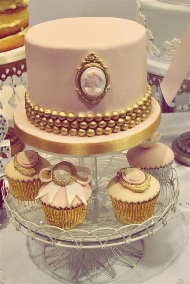 14 Amazing Wedding Cakes For A Winter Wedding Weddingsonline