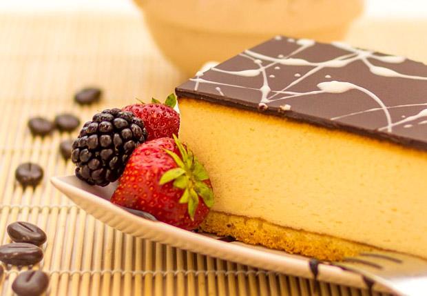 unusual-wedding-desserts-vienna-cheesecake