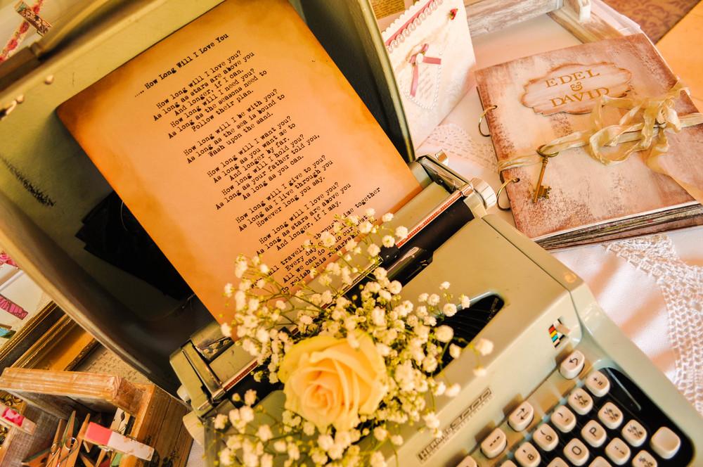 vintage-typewriter-hire-ireland-vintageaffairs