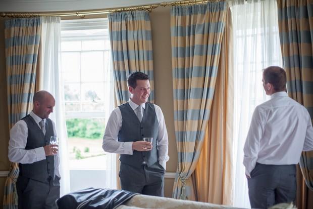 11_Groomsmen_Morning_of_Wedding_Getting_Ready (3)