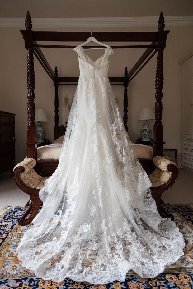 2_Pronovias_Wedding_Dress_Long_Lace_Train