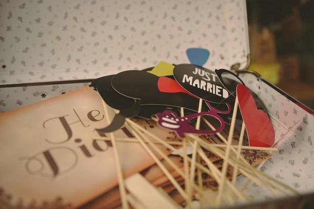 37-fun-wedding-ideas-photo-booth-props