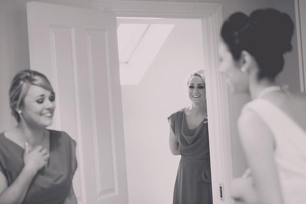 6_Bridesmaids_First_Look_Photo_Wedding_Album_Must_Have
