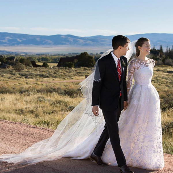 Allison_Williams_Wedding_Dress_Oscar_de_la_Renta