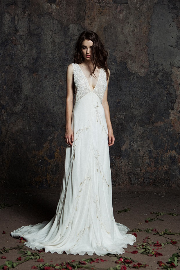 Bo_Luca_V_Neck_Boho_Wedding_Dress_Tapeley