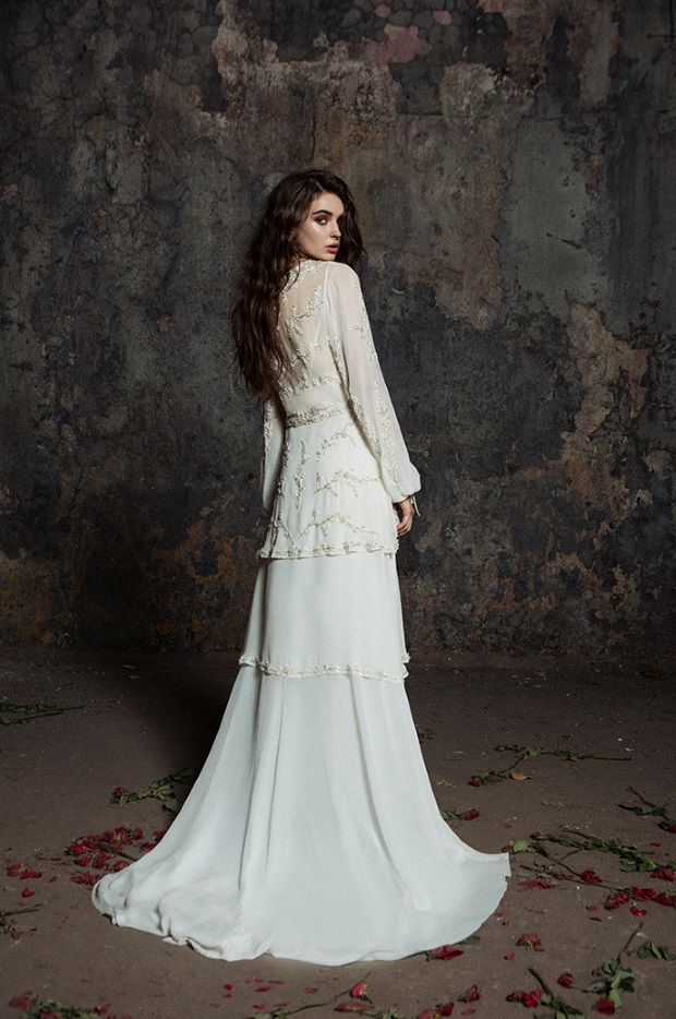 Bo_and_Luca_Medieval_Style_Wedding_Dress_long_sleeves_alphen-back