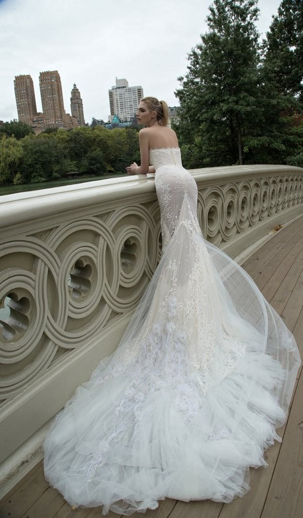 Classic_Inbal_Dror_Train_Wedding_Dress_Long_Lace