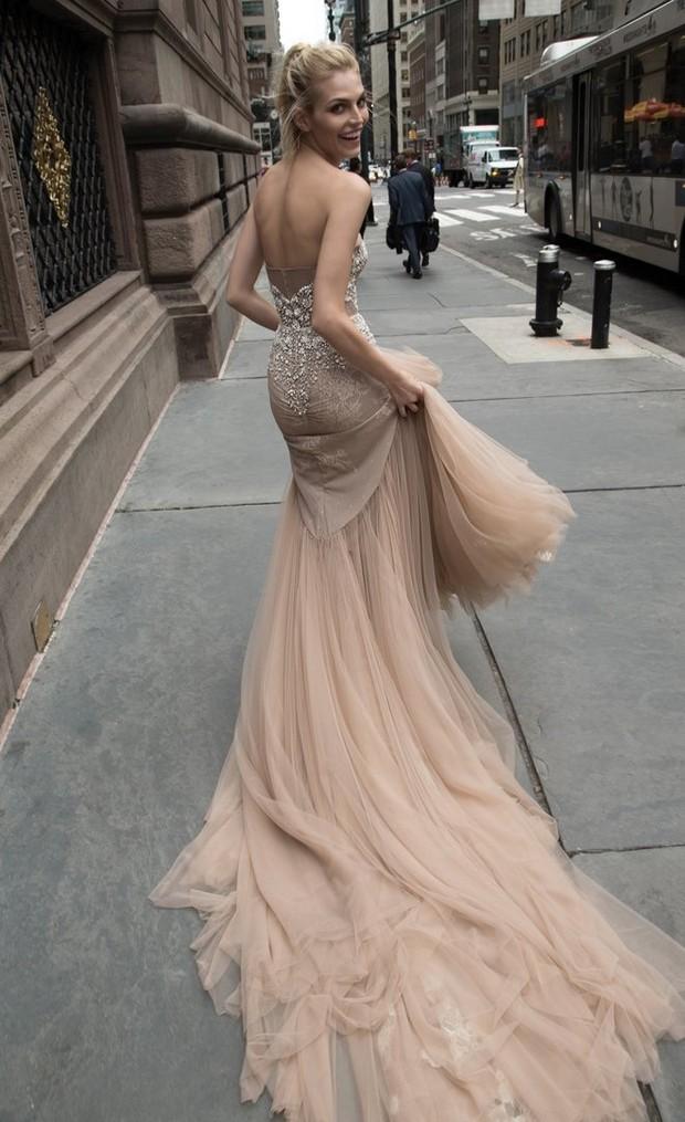 Inbal_Dror_2016_Wedding_Dress_New_York_weddingsonline_chiffon_colour_