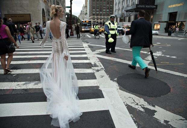 Inbal_Dror_2016_Wedding_Dress_Sheer_Train