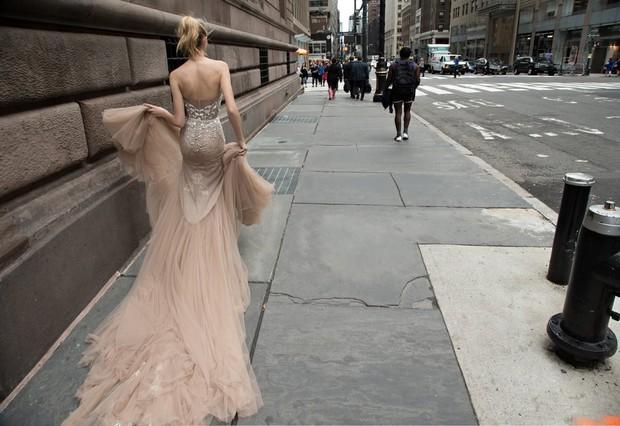 Incredible_Inbal_Dror_Wedding_Dess_Fine_Art_Ivory_Chiffon_Train