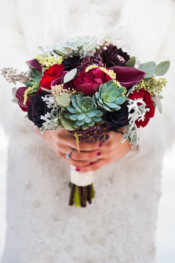 Succulent_Calla_Lily_Winter_Berry_Wedding_Bouquet