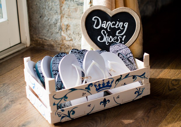 flip-flop-basket-wedding-ideas-dancing-shoes