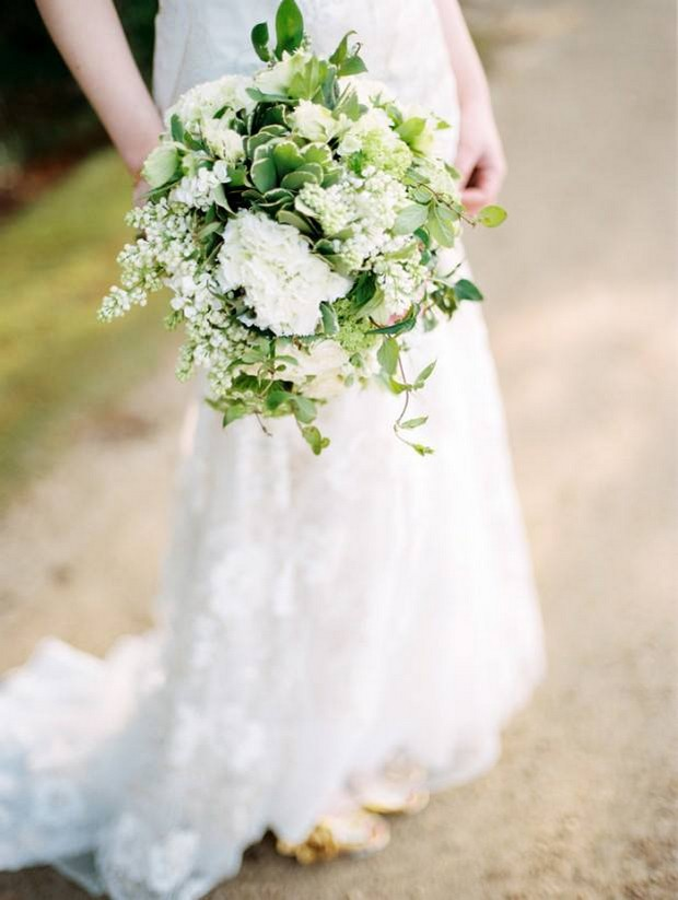 White & green winter wedding bouquet by The French Touch