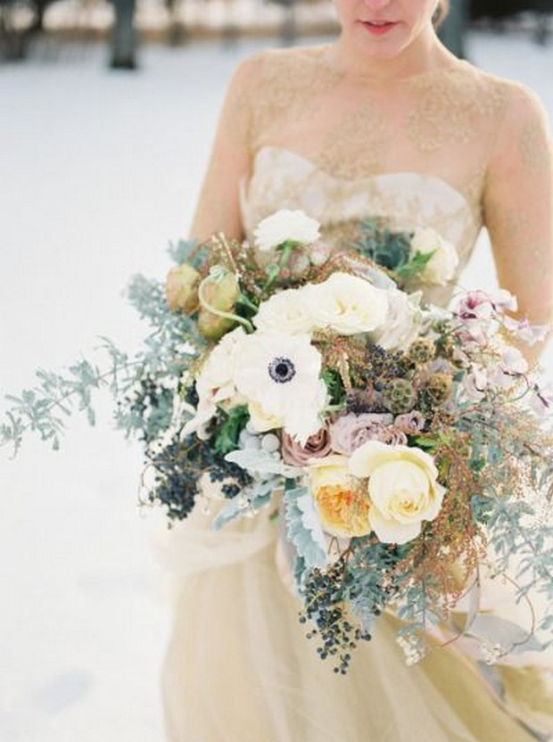 23 Beautiful Wedding Bouquets For Winter Brides