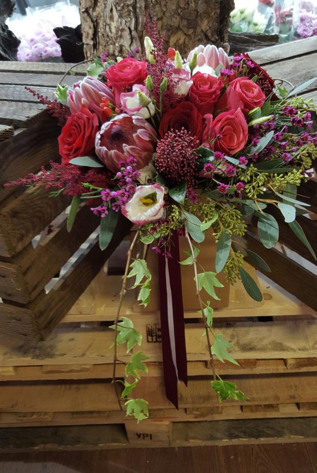 rustic-burgundy-winter-bridal-bouquet