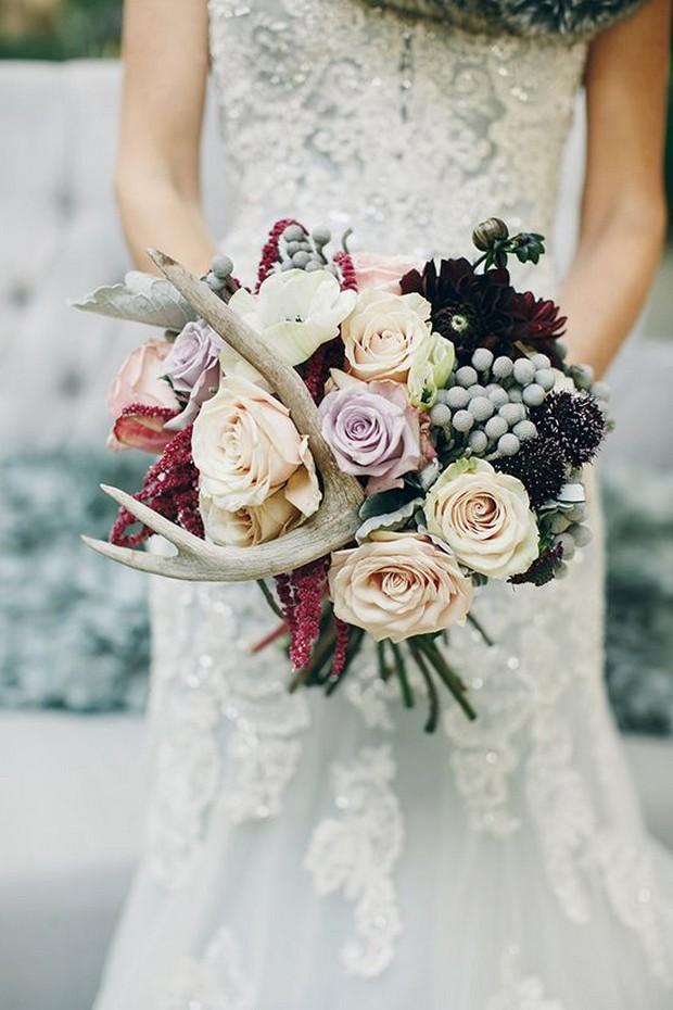 unusual-winter-wedding-bouquet-accessories