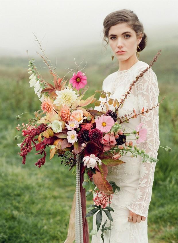 winter-wedding-bouquets-boho-style