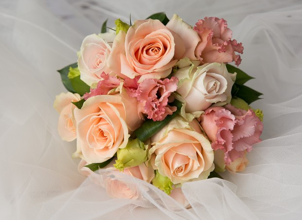14_vintage_peach_pink_wedding_bouquet