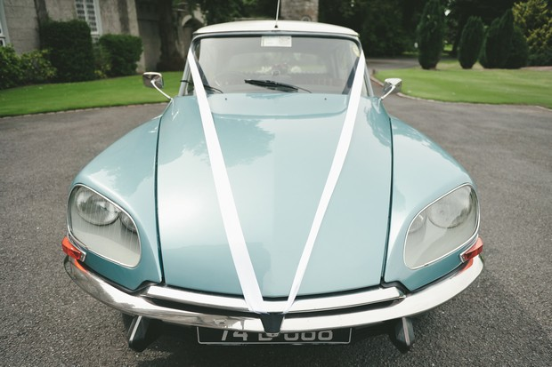15_Classic_Blue_Vintage_Wedding_Car_Ireland