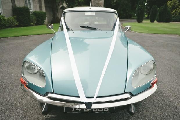 15_Classic_Blue_Vintage_Wedding_Car_Ireland