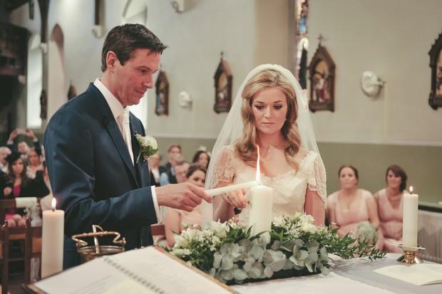 20_Bride_Groom_Lighting_candle_together_ceremony