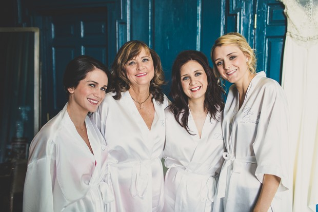 20_bride_bridesmaids_matching_silk_robes_real_wedding