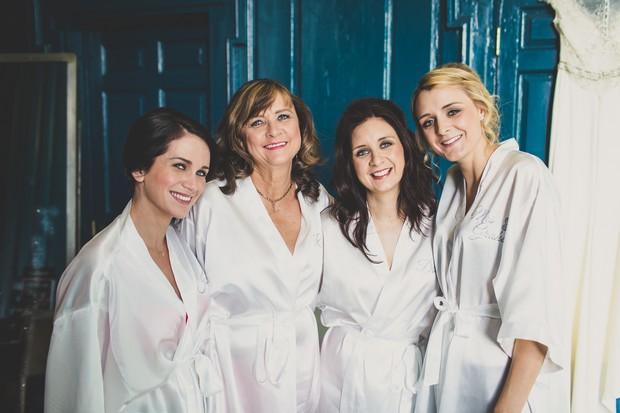 20_bride_bridesmaids_matching_silk_robes_real_wedding