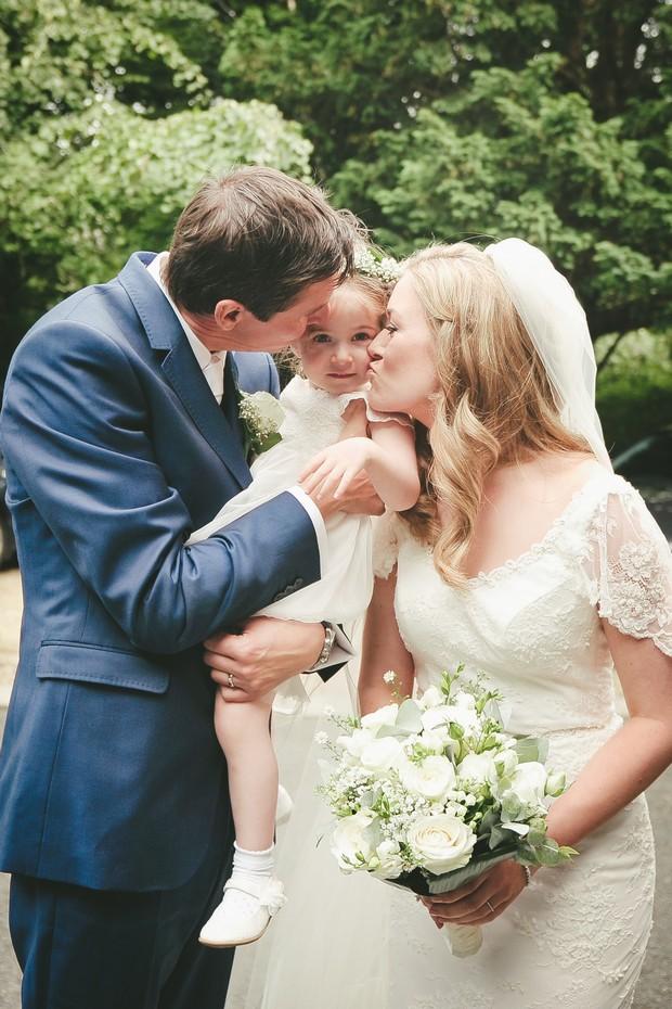 22_Bride_groom_with_daughter_flower_girl_kids