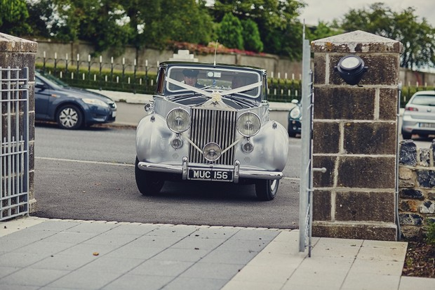25-silver-vintage-wedding-car-ireland