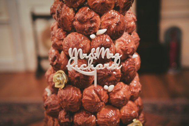 27_croquembouche_wedding_cake_topper_unusual (2)