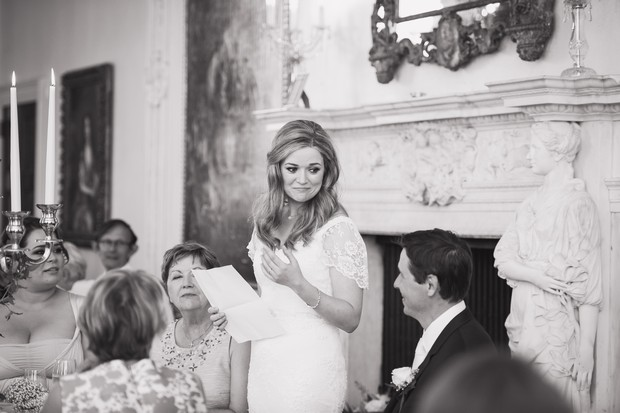 30_bride_speech_wedding_black_white_photo
