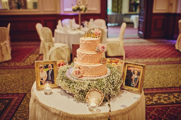 48-three-tier-pink-fluffy-wedding-cake-babys-breath
