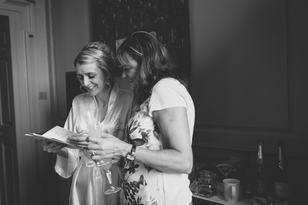 4_bridesmaids_gifts_reading_Cards