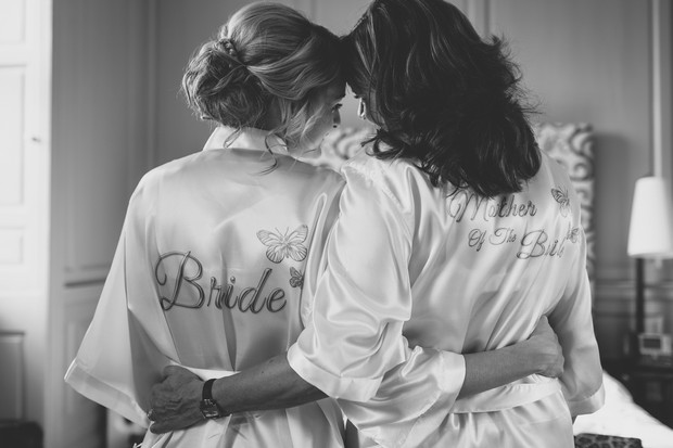 5_Bride_and_Mother_matching_robes_wedding_morning (2)